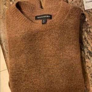 Women's Crew neck wool sweater, small